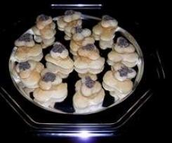 trifogli pinolati al papavero finger food