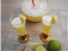 Aperitivo analcolico ananas, lime e zenzero.