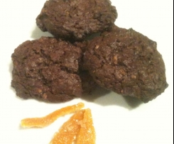 Biscotti goduriosi al cioccolato con scorzette d'arancia