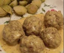 Polpette in Salsa Cremosa di Curry con Cavoletti di Bruxelles