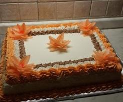 Torta di compleanno con crema di noccione e panna