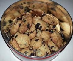 Biscotti con avena ed uvetta