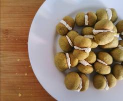 Baci di dama salati al pistacchio e formaggio spalmabile