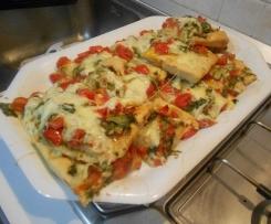 Focaccia con pomodorini e scarola (tipica messinese)
