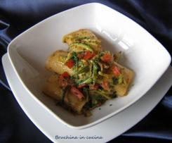 Paccheri con zucchine al sapore di crostacei
