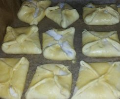 Topfengolatschen (saccottini dolci di formaggio quark)