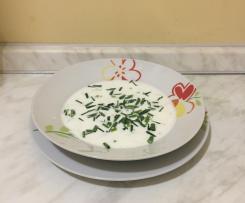 Zuppa fredda di cetriolo e aneto